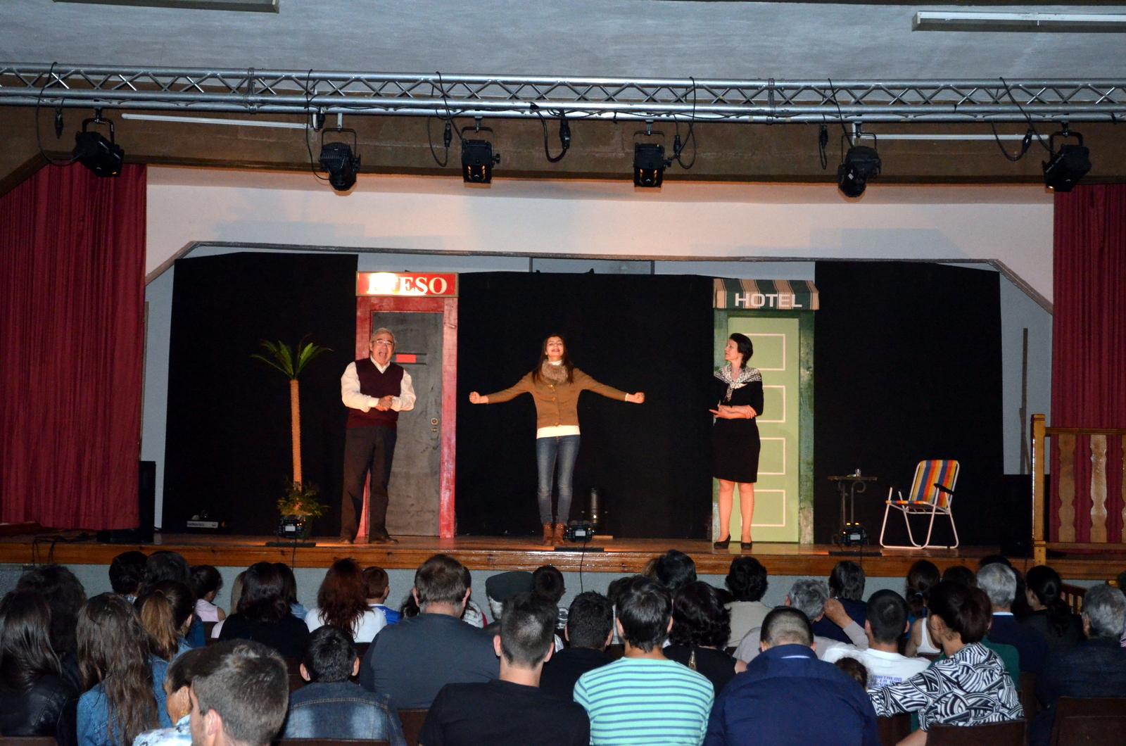 Grupo NACO representou a peça ALAZON.