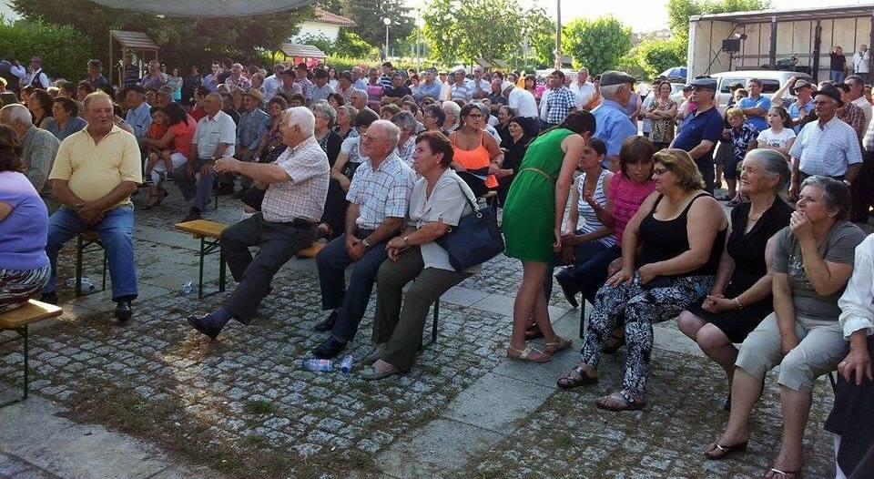 Parte do público que assistiu ao evento, muito dele com possibilidade de assistir sentado (foto Pedro Almeida).