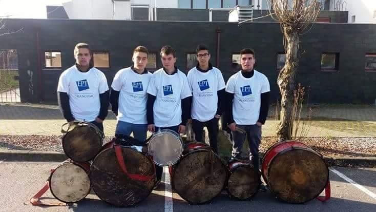 Elementos do Grupo de Bombos de Carapito (foto de Paulo Domingos).