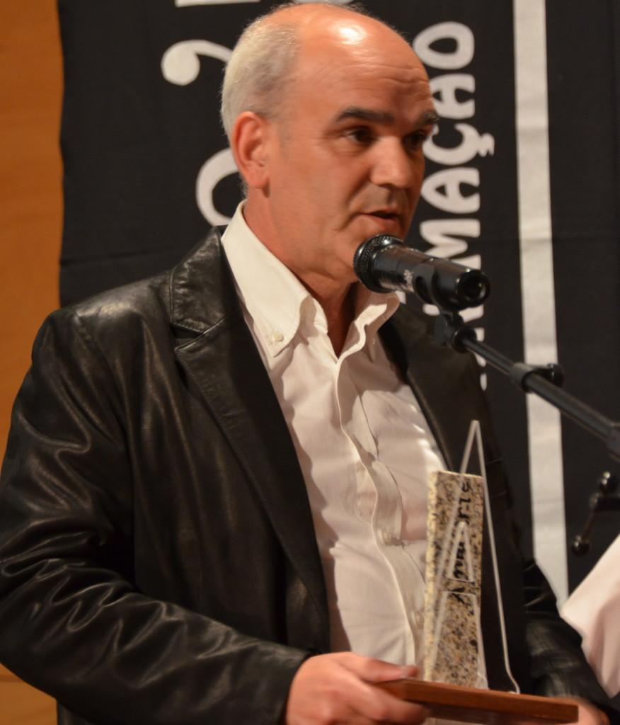 Carlos Paixão durante o discurso de agradecimento do prémio (foto D. T. Machado).