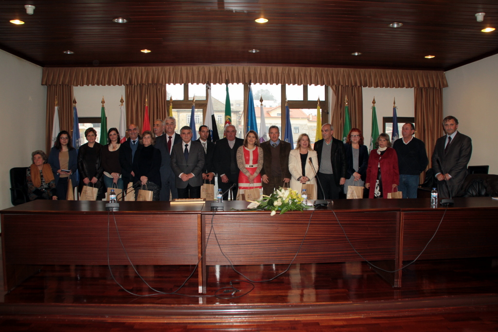 Escritores do concelho que marcaram presença no Dia do Município (foto de Mais Aguiar da Beira).